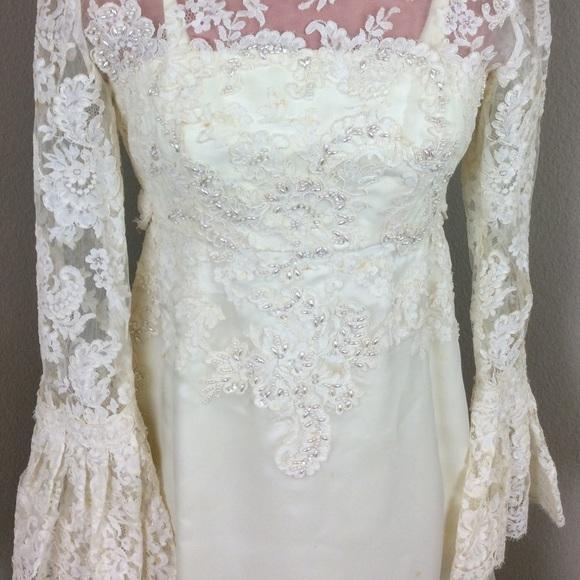 Vintage 70s Boho Wedding Dress Bell Lace Sleeves